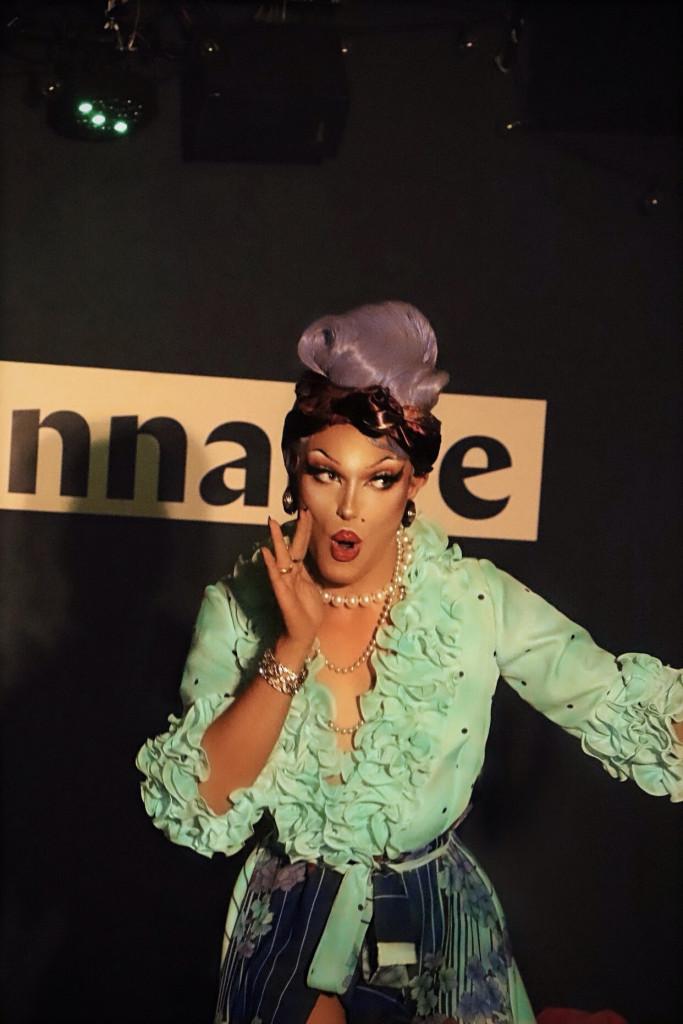 mademoiselle-kiss-visuel-interview-dragqueens.fr